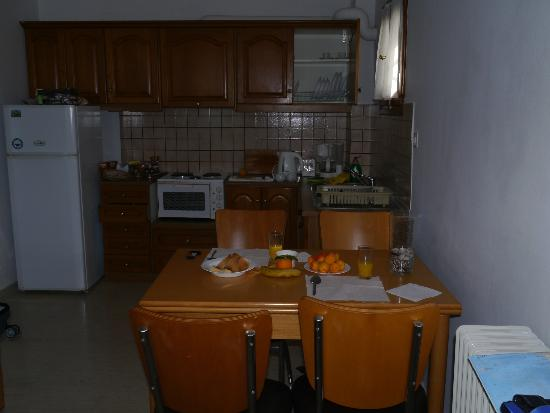 Villa Christina: Kitchen in our one bedroom