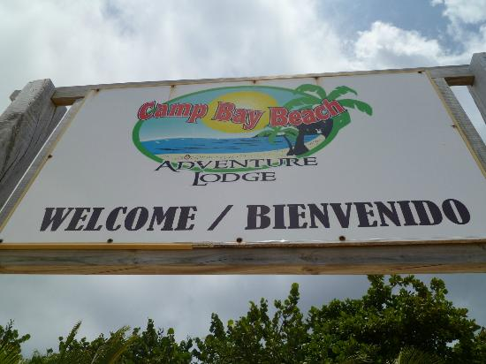 Camp Bay Lodge: Welcome sign