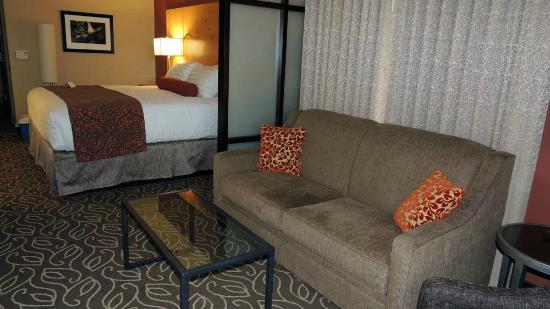 BEST WESTERN PREMIER Ivy Inn & Suites: oversized king room