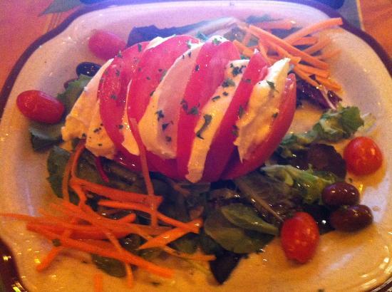 Napoli Pizzeria: Caprese salad...