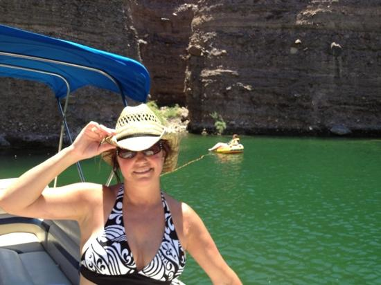 Cottonwood Cove, NV: fun in the sun