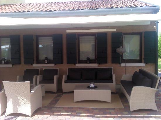 Venice Resort: terraza cubierta