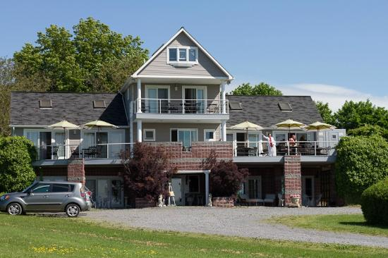 Front of the Lakefront Inn 2