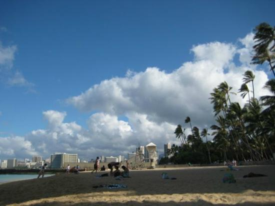 View of Kaimana Beach in early morning