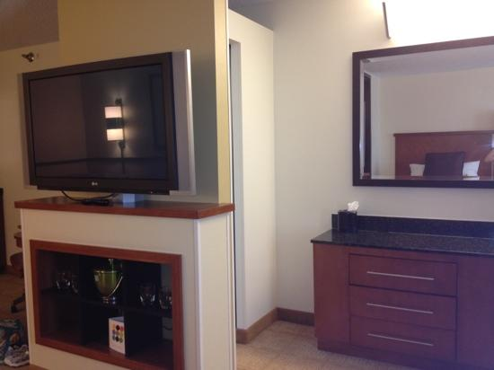 Hyatt Place Louisville-East: tv!