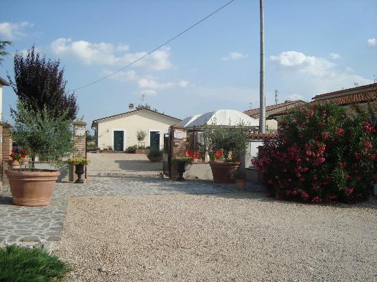 Terra Dei Santi Country House: ingresso case vacanza