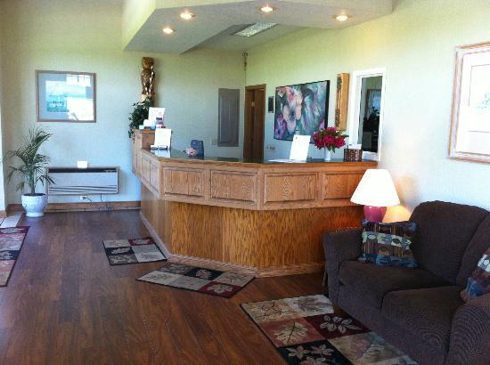 Thunderbird Inn: Lobby