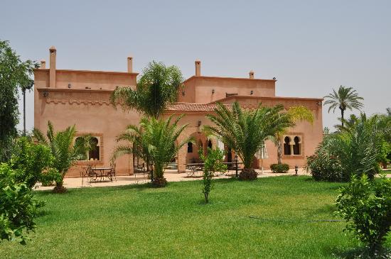 Villa Dar Mya Palmiers : un aperçu de la belle villa