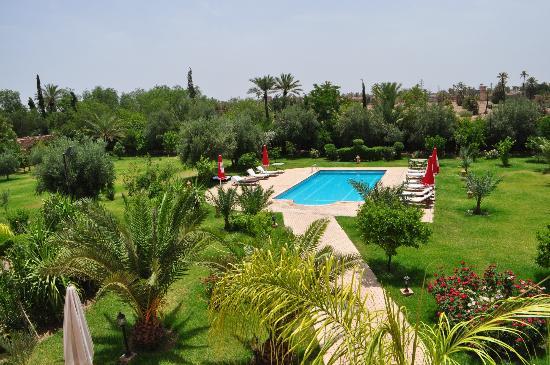 Villa Dar Mya Palmiers: une vue de la terrasse