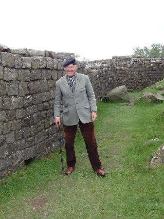 Northumberland National Park, UK: Gary at the wall
