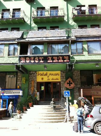 Hotel Aran La Abuela: Hotel front