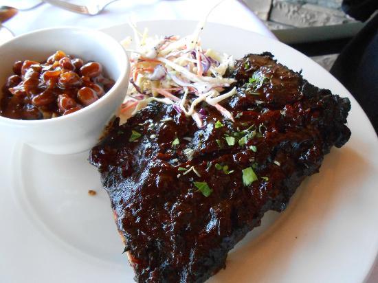 Gallatin River Grill: ribs, beans, slaw