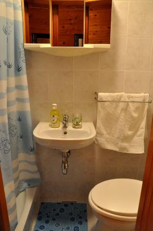 Guesthouse Sven: Bathroom