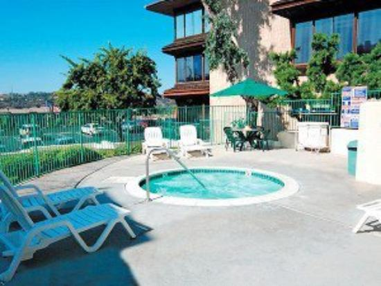 Candlewood Suites: Pool