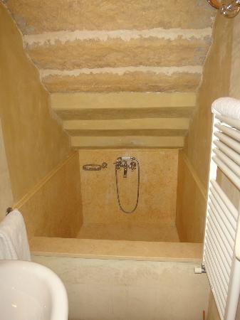 La Locanda di Villa Toscana: what a bath!!