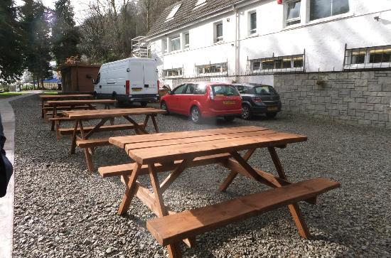 Inverbeg Galleries: picnic tables
