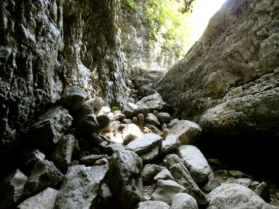 Walls of Jericho: In the cave