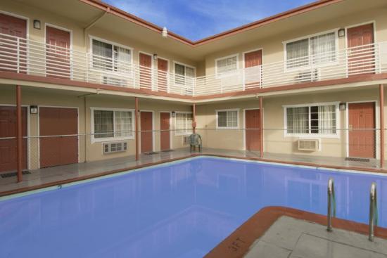 Regency Inn : Pool
