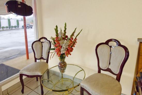 Regency Inn: Meeting Area