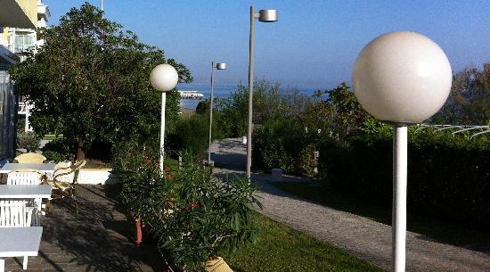Hotel Promenade Gabicce Mare: Hotel Promenade Gabicce. Over the sea!