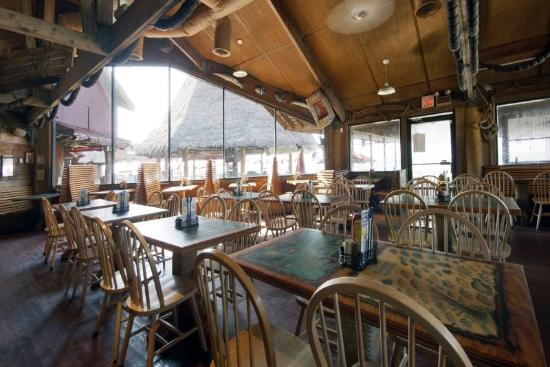 The Reef at Seahaven Beach Resorts: Sharkys Beach Front Restaurant 2