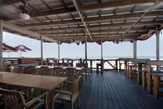 The Reef at Seahaven Beach Resorts: Sharkys Beach Front Restaurant 3