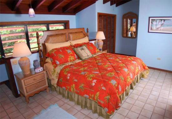 Lavender Hill Suites: Master Bedroom