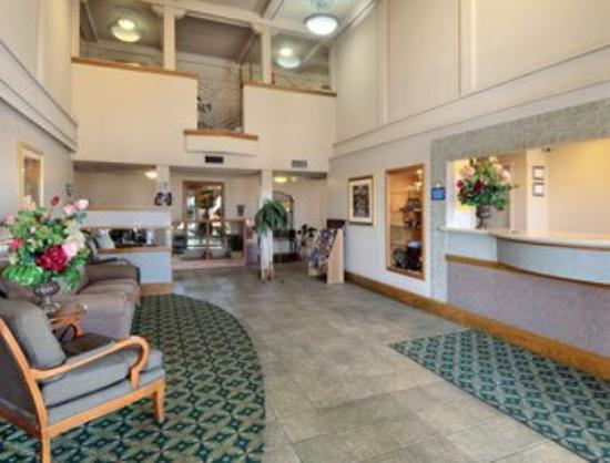 Americas Best Value Inn & Suites-Las Cruces/I-10 Exit 140: Lobby