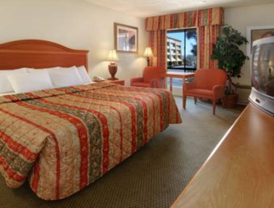Americas Best Value Inn & Suites-Las Cruces/I-10 Exit 140: Standard King