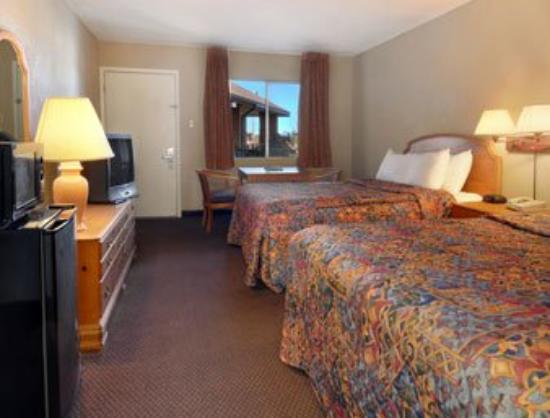 Americas Best Value Inn & Suites-Las Cruces/I-10 Exit 140: Standard Double Double