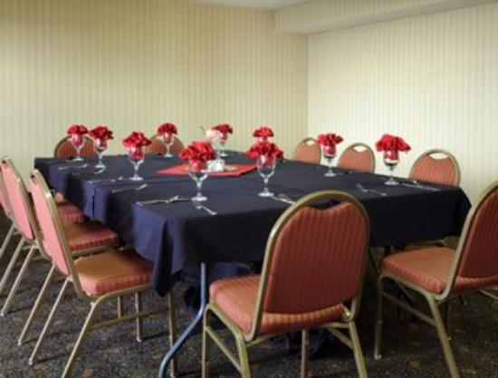 Americas Best Value Inn & Suites-Las Cruces/I-10 Exit 140: Meeting Room