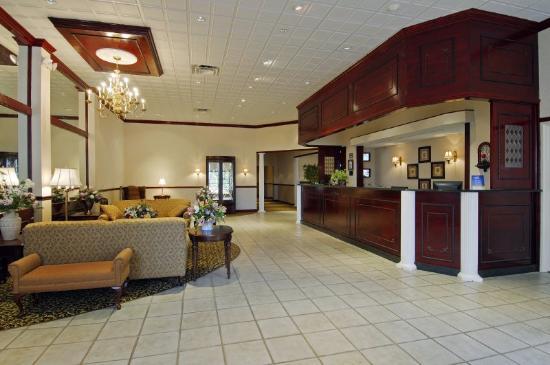 Super 8 Kings Mountain: Lobby