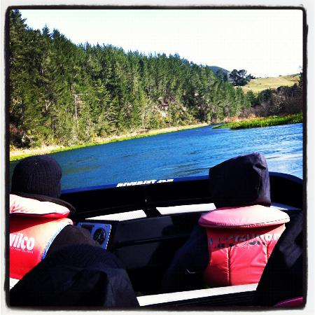 NZ Riverjet The Squeeze: Cruising the river