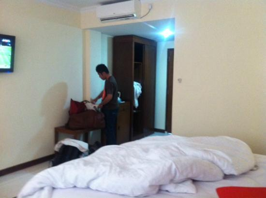 Hotel Dermaga Keluarga : room