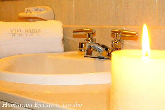 Hotel Vila Santa Miraflores: Lavabo, Habitación Ejecutiva
