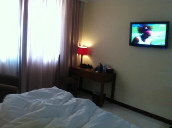 Hotel Dermaga Keluarga: desk&tv