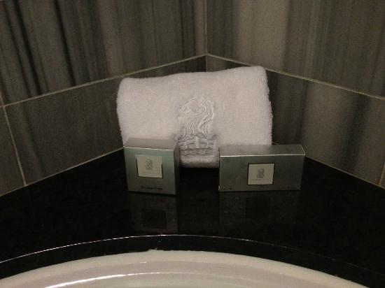 The Ritz-Carlton, Los Angeles: Bathtub corner, designer tiles
