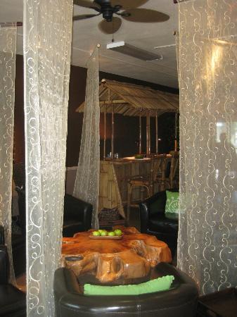 Spatini Teabar: Spatini nail bar and pedi lounge area.