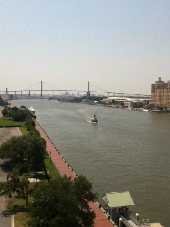 Savannah Marriott Riverfront: great view from our 8th floor balcomey.