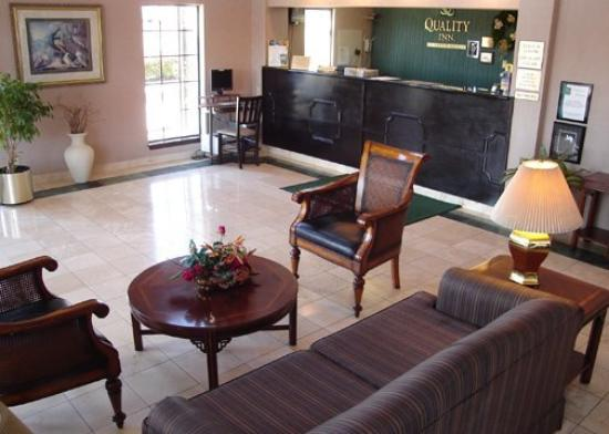 Quality Inn Medical Center: Lobby