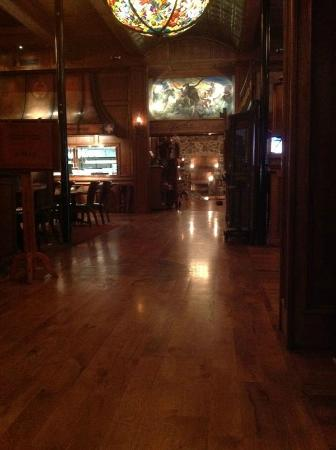 Hamley Steakhouse & Saloon: Waiting room - look at all of that oak