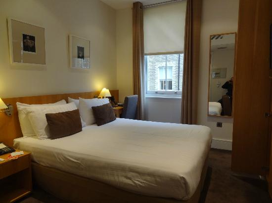 The Nadler Kensington: A Double room