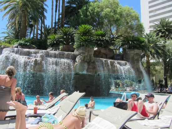 Waterfall In The Pool Picture Of The Mirage Hotel Casino Las Vegas Tripadvisor