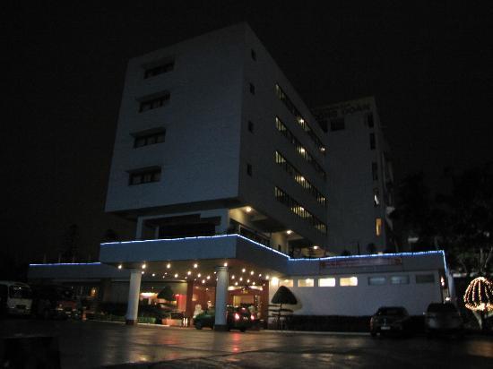 The Cong Doan Hotel: Hotel facade