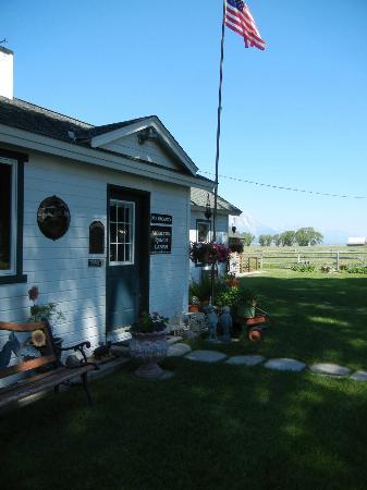 Moulton Ranch Cabins: Main House