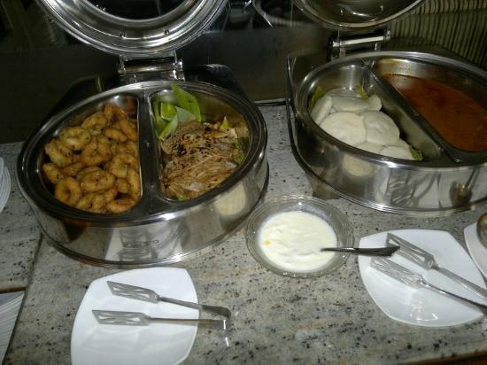 SilicRest Hotel: Indian breakfast buffet part 1