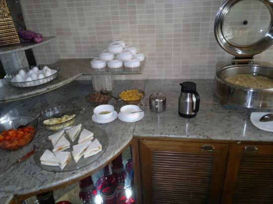 SilicRest Hotel: Breakfast buffet part 3