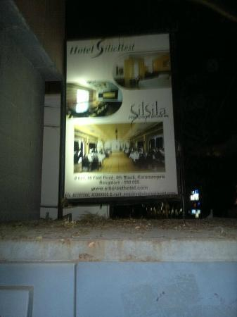 SilicRest Hotel: Hotel sign as seen from the entrance