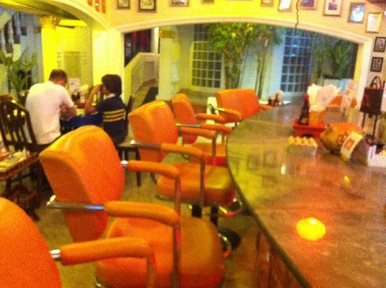 Villa Oranje: Restaurant/Bar/Receptie