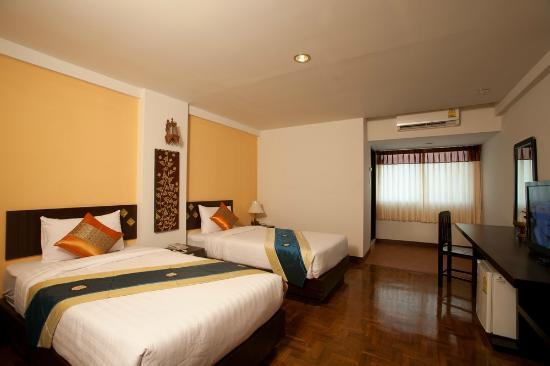 Bua Raya Hotel: our room